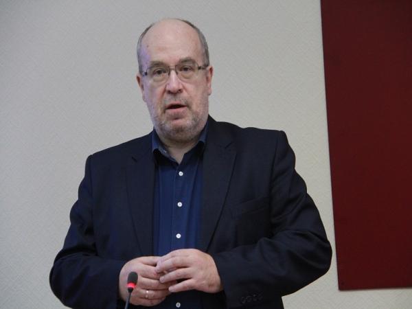 Выступление академика А.В. Смирнова на конференции «Революция и эволюция в исламской мысли и истории»