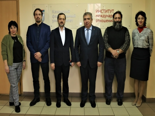 President of the Ibn Sina Foundation meets the director of the Faculty of the Institute of International Relations of the Kazan Federal University